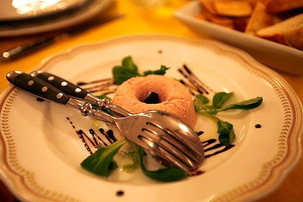 Spuma di mortadella con salsa e gelatina di balsamico, yum, bologna