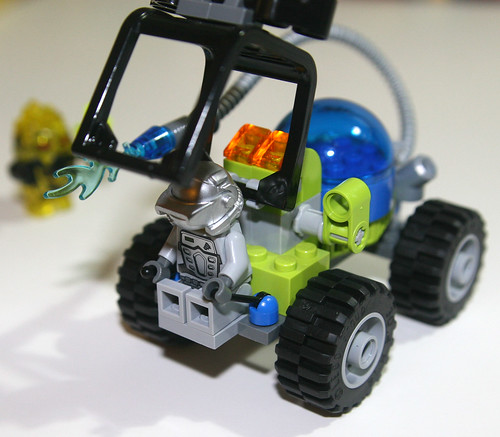 2010 LEGO 8188 Power Miners - Fire Blaster Driver Protection