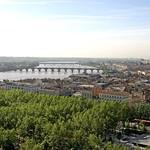 Bordeaux: Bordeaux, à vol d'oiseau, vue vers le pont de pierre