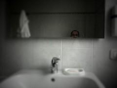 Dove sono? / Where am I? (ale2000) Tags: morning gay white me self bathroom grey mirror soap grigio ale toilet toilette moi io ale2000 sleepy tiles miroir bagno bianco 3gs specchio cesso iphone mattina sapone piastrelle tiltshift rubinetto lavandino cannella saponetta accappatoio iphone365