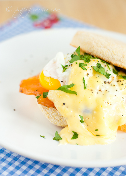 Eggs Royale - eggs benedict with salmon