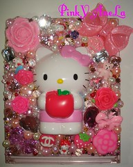 Saori's Hello Kitty Deco Mirror (Pinky Anela) Tags: pink rose japanese hellokitty bow kawaii deco pinkyanela sanriotokyo