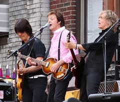Paul McCartney (TMNYNY) Tags: nyc newyorkcity roof music newyork david paul concert broadway lateshow beatles letterman mccartney thebeatles paulmccartney davidletterman lateshowwithdavidletterman edsullivantheater
