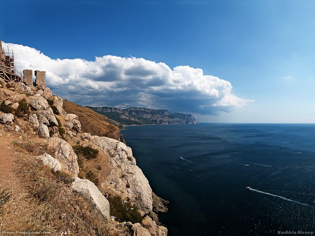 Море и крепость
