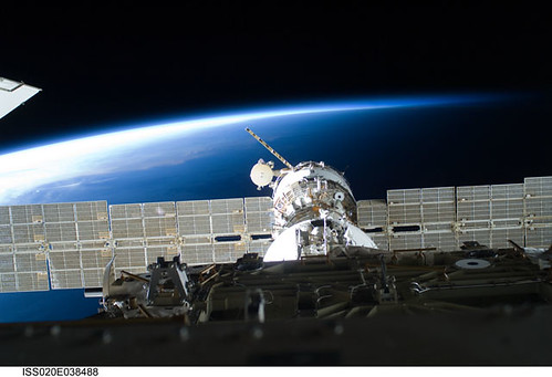 International Space Station and Earth (NASA, 09/05/09) by nasa1fan/MSFC.