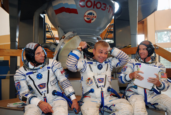 RUSSIA-CANADA-US-SPACE
