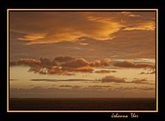 Feliz martes de Nubes (* Johanna) Tags: mar cielo nubes nwn