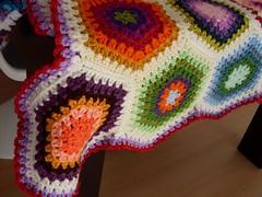 Edging (Mundo a cores) Tags: kids children bedroom crochet blanket afghan quarto hexagons decor decorao manta l colorido hexgonos