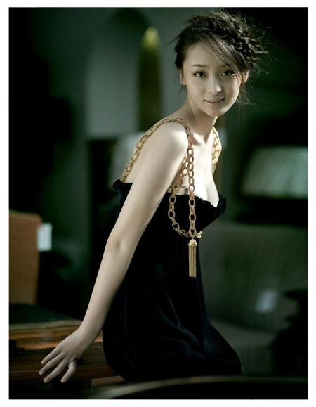 Chinese Actress Li Man (19-year-old) Photo Gallery