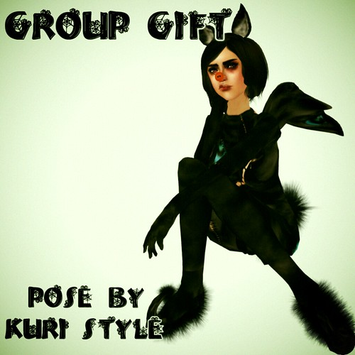 Kuri Style Group Gift Pose 2