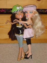 Cloe & Yasmin... (BRTZV*) Tags: fall yasmin girlz diva moxie 2009 bratz cloe backstabbers iconz mgae