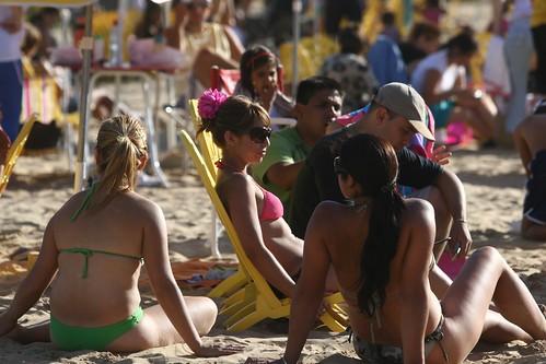 chicas por Buenos Aires Playa.