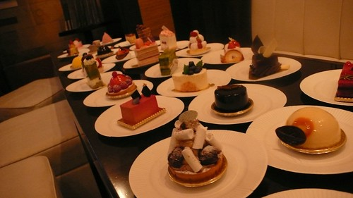 cakes in Christmas party 01