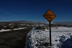 road ends (janoschknipst) Tags: california road las vegas blue winter sky white lake snow cold sign landscape mono mercedes benz 300d lasvegas snowy pavement nevada peaceful roadtrip sierra clear lee end lonely monolake sierranevada deadend w123 vining leevining pavementends