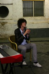 Julian Perretta on Pocket TV (Pocket TV) Tags: ericsson sony singer interview songwriter wonderwhy pockettv julianperretta