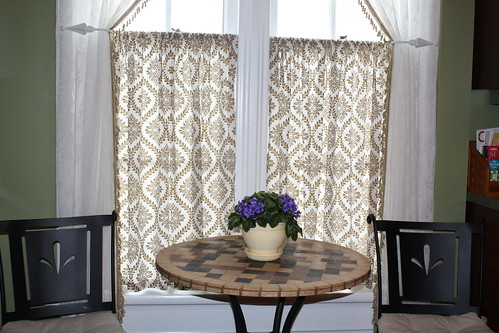Home Furnishings - Table Runners, Table Mats, Placemats and
