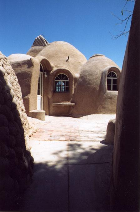 Une maison en sacs de terre de Khalili