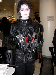 Another Edward... (merrypranxter) Tags: fiction nerd tim costume geek cosplay science edward fi dork 2009 sci dragoncon scissorhands burton