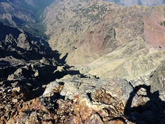Sous le sommet de Punta Minuta : on surplombe I Cascitoni de 400 m !