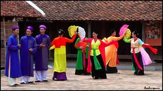 139-Aktuacin. (Ambrispuri) Tags: portrait color colors teatro asia theater retrato vietnam grupo hanoi mujeres representation tradicion tradicin espectaculo representacion tradiction ambrispuri