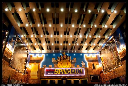 Spamalot en el Teatro Lope de Vega por Tricicle