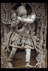 Dancer (Avinash Tiwari) Tags: india statue ancient dancer karnataka belur hoysala