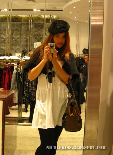 camwhore in mirror with beret
