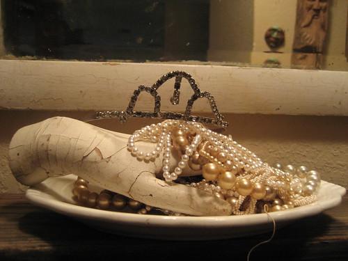 Hand, pearls, tiara