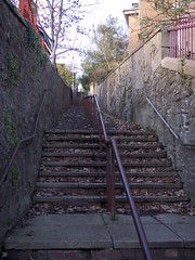 dundee steps