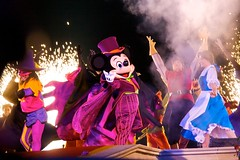 "DLP Oct 2009 - The Disney ""Not-So-Scary"" Halloween Show (PeterPanFan) Tags: show travel vacation france halloween canon europe character disney mickeymouse belle shows characters fr gaston disneylandparis 30d dlp maleficent disneylandresortparis disneycharacters marnelavallee canon30d mickeysnotsoscaryhalloweenparty clopin canoneos30d parcdisneyland realhalloween thehunchbackofnotredame marnelavallee jonfiedler disneyshows lafetepassitrouilledemickey lafetepassitrouilledemickey thedisneysnotsoscaryhalloweenshow lespectaclepassitrouilledhalloween thedisneynotsoscaryhalloweenshow disneysnotsoscaryhalloweenshow"