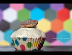 A Gift from the Heart (edmundlwk) Tags: colour macro background 100mm spots cupcake icing canon450d digestivebiscuit rebelxsi edmundlim