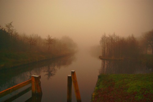 Ems - Jade Kanal, misty late afternoon