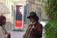 Ehi, vieni un po' qui... - Ehy, come here.... (alessandro rizzitano) Tags: street canon call disturbed gesture invito gesto disturbato