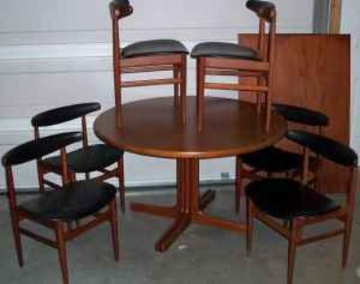 mid-c table/chairs