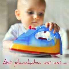 As planchaba as as ....... (Maril Valle. GUARDANDO TESOROS) Tags: toys iron colores juguetes plancha marilvalle