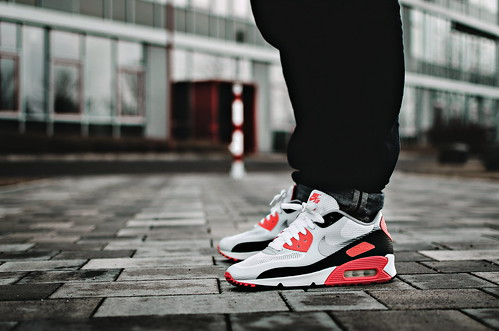 nike nikeairmax nikeairmax90 airmax90 airmax sneaker sneakers hyperfuse infrared urban
