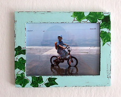 Green frame with ivy 1