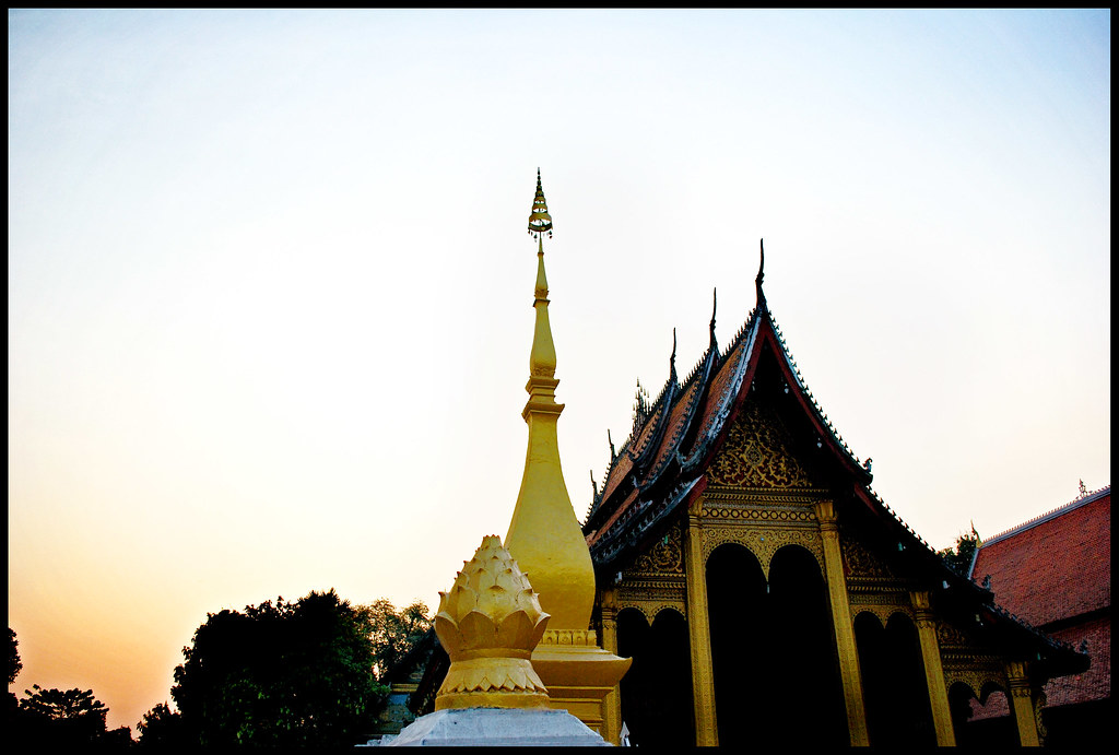 Wat Sen at sundown