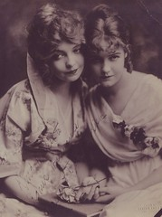 "Lillian and Dorothy Gish, ""Kind Wishes to Agnes Williams"" (Susie Bright) Tags: actors northdakota celebrities headshots fargo autographs 1900s nickelodeon charliechaplin actresses moviestars classicmovie lilliangish silentmovies silentfilms susiebright signedphotos williamshart hollywoodhistory hollywoodblvdstar agneswilliams"