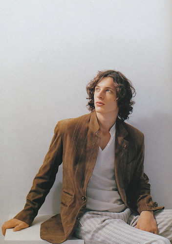 Henry Hargreaves5042(Esquire2003_05)