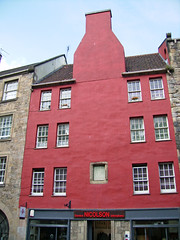 Royal Mile - Red House (Rubn Hoya) Tags: uk red house real scotland casa edinburgh united royal kingdom escocia gran edimburgo mile roja reino unido milla bretaa scotlanda