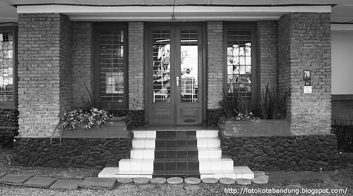 Villa Merah - Entrance