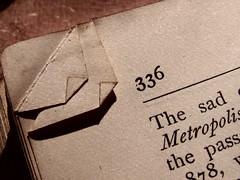 336 (Mamluke) Tags: texture textura sepia corner vintage paper buch book boek libro number page nombre bent papel numeral turned curved papier livre carta cru número corners beschaffenheit vendimia textuur 336 annata zahl uralt aantal mamluke 型 ziffer wijnoogst thesad