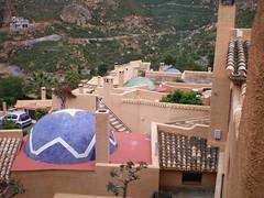 SIERRA CABRERA (pibepa) Tags: azul tejado chimenea cpula
