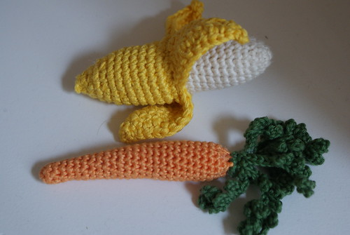 Crochet banana and carrot