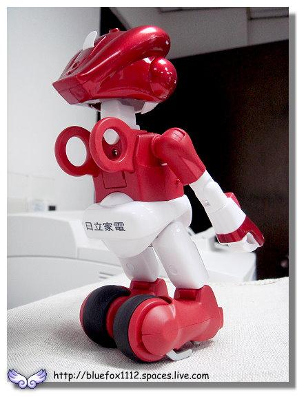 091018日立生活機器人EMIEW電子鐘10