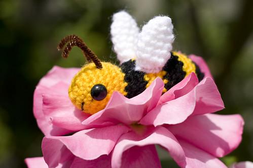 Free Bumble Bee Amigurumi Pattern : 4107626957_0c88095dbf.jpg