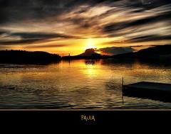 Noche o da? (Quiria) Tags: paisajes naturaleza sunshine clouds contraluz landscape atardecer mar agua paisaje colores nubes noruega crepusculo bodo turismo puestasdesol ohhh reflejos montaas turistas rayosdesol ocasos maravillasdelmundo embarcaderos justclouds lugaresdelmundo vosplusbellesphotos quiria peregrino27newvision