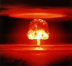 [フリー画像] [戦争写真] [キノコ雲] [爆発/爆破] [煙/スモーク] [キャッスル作戦] [ロメオ実験] [水素爆弾]    [フリー素材]