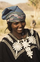 Touaregue.Ar. Niger (courregesg) Tags: africa portrait people woman girl niger desert femme dune young sable tribal westafrica tradition anthropologie tribe ethni